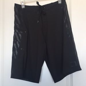 EUC | Oakley | Board Shorts | Black | Mens 30W